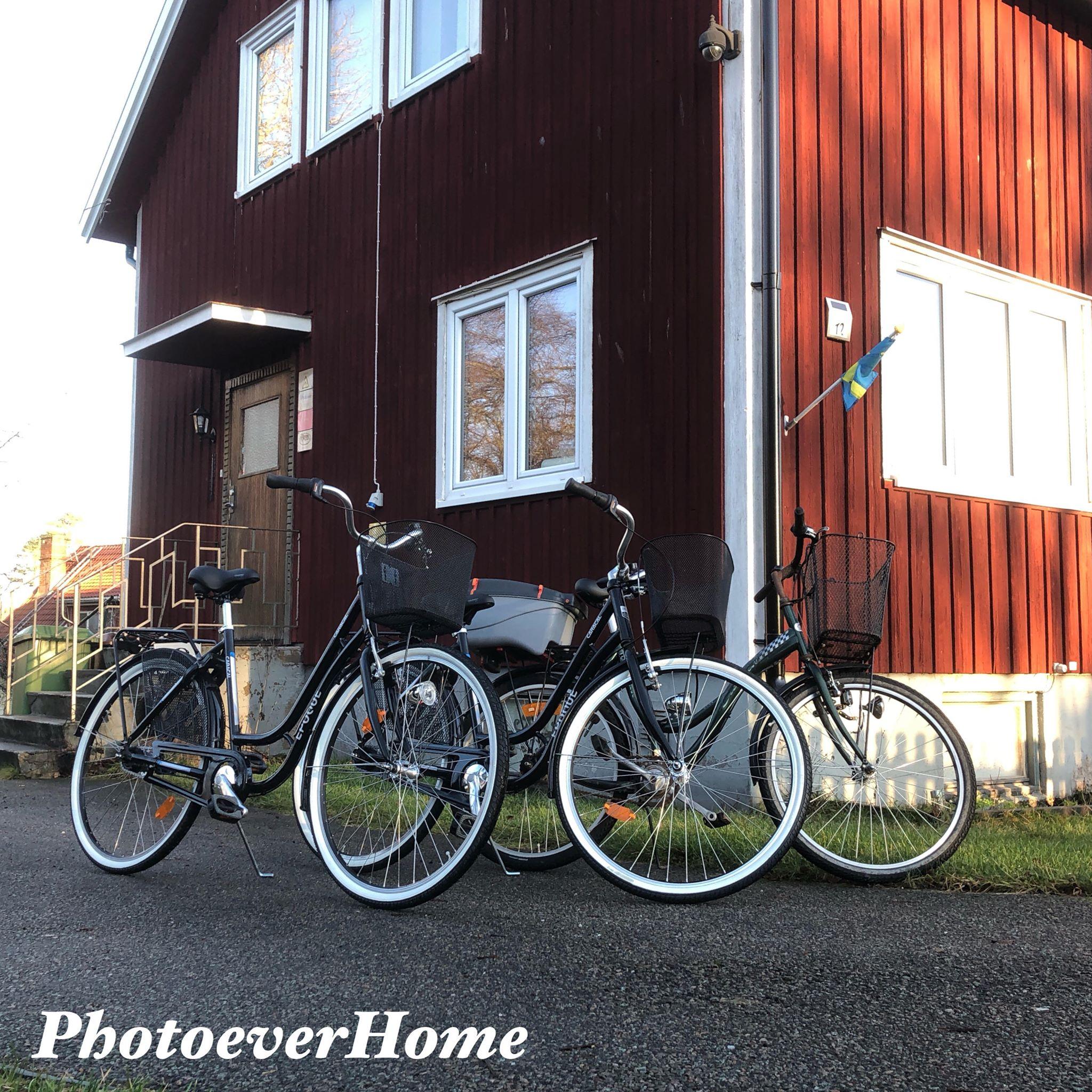 Cyklar utanför huset